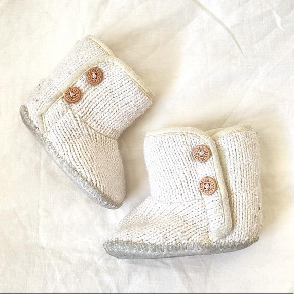 UGG Size 2/3 White Crochet Baby Booties